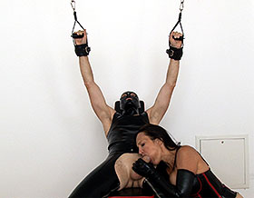 Mistress gives blowjob-Picture1