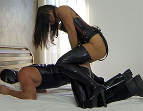 Femdom fucks slave doggy style-Picture2
