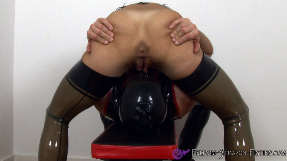 Pussy of Dominatrix gets licked and eaten while facesitting on her slave